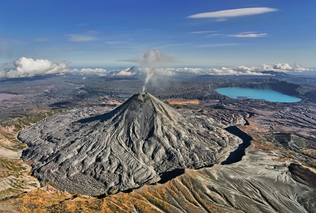 Tours to Volcano Gorely in Kamchatka
